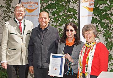 Verleihung Qualitätssiegel für LehrLernGarten in München